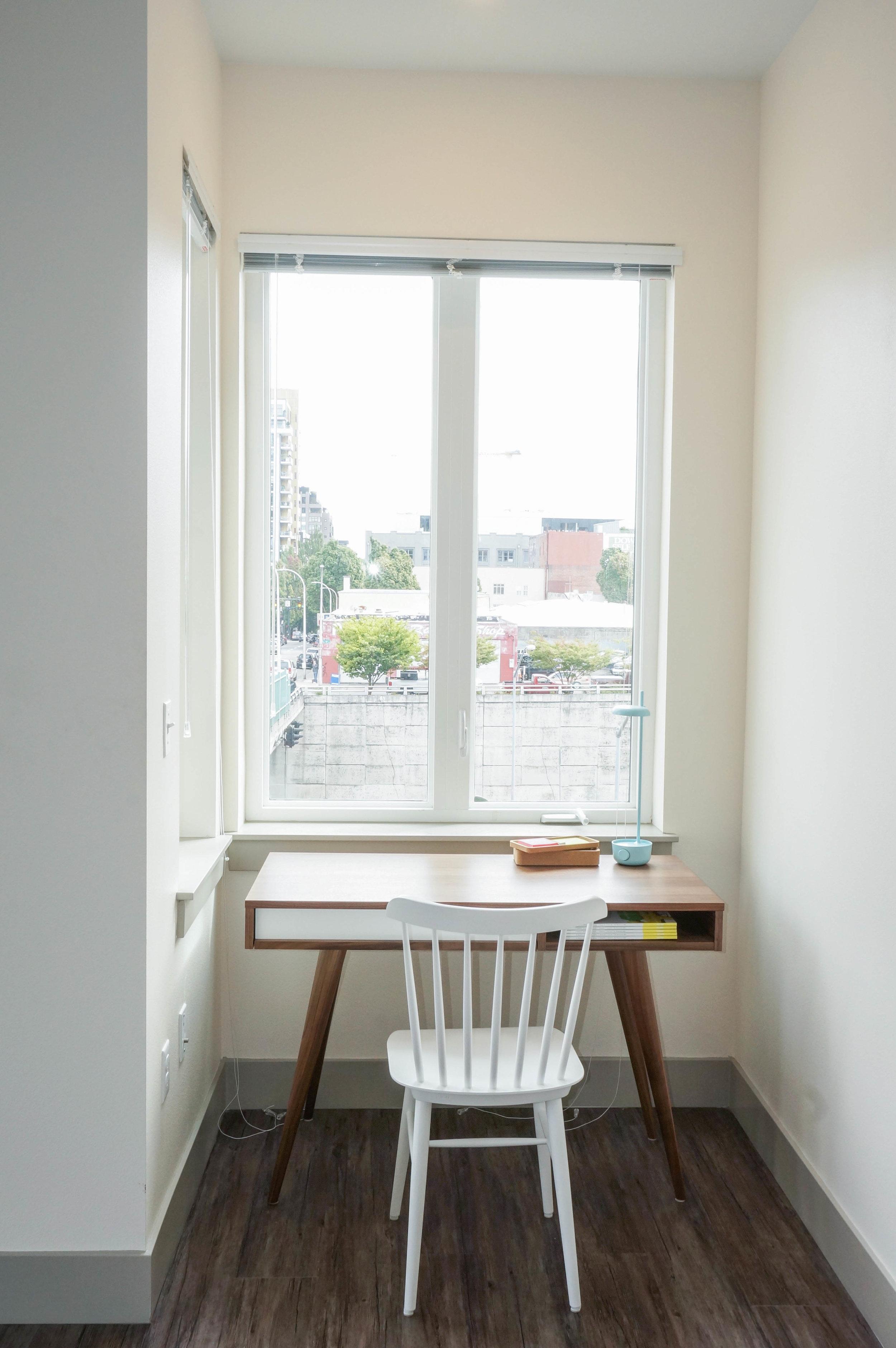 Everett - Studio Office