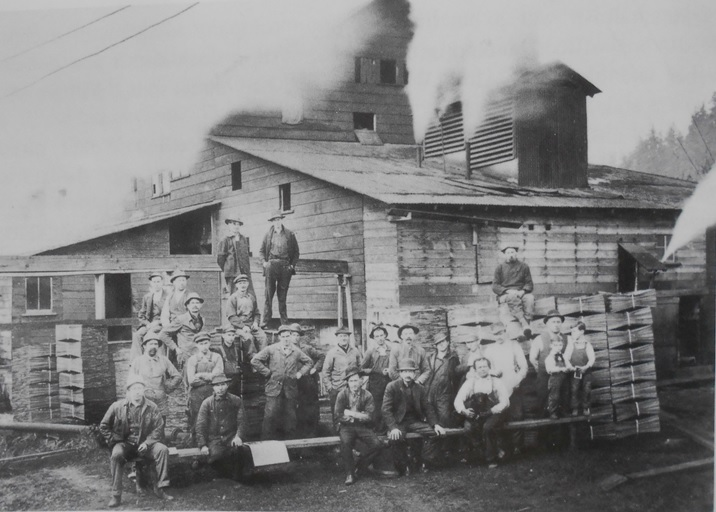 Employees at Webber's Shingle Mill on Lake Sammamish. (OR/L 79.79.049)