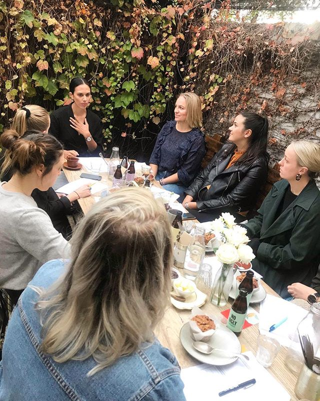 Woweeee, I NEVER thought I'd be sitting in front of an epic group of women talking about food freedom, body acceptance, mindfulness and self-confidence. Me. The chronic yo-yo dieter, chronic over exerciser or never exerciser, all or nothing, don't even try to give me a compliment because I'll shut it down kinda gal. • 3 years ago I didn't think the words freedom, peace or acceptance would EVER be said in the same sentence as food or my body. 2 years ago I was still in the throes of an eating disorder, trying to 'get over' it on my own. 18 months ago I reached desperation point and called the Eating Disorder clinic in floods of tears. 1 year ago I finished a 6 month long intensive therapy program. 6 months ago I finally told my close friends and family the struggles I had been hiding for 8 years. 6 months ago I 'came out' about it on Instagram. 4 months ago I started coaching amazing clients to help them find the same freedom and acceptance with food and my body that I found. Today, I spoke about my experience publicly for the first time. Is that even real? WHAT A BLOODY RIDE! All because I asked for help. That one call that I put off for years, changed EVERYTHING. If you are struggling with something, please reach out to a friend, family member, coach, psychologist, doctor - it could be the beginning of something amazing. • Thank you @annasquelch for inviting me to be your very first Rise & Shine speaker and always being my hype gal, the amazing women who sacrificed precious Monday morning zzzz's to come along, and thank YOU, Instagram peeps, every time I've posted something, questioned myself and then considered deleting it or considered deleting Instagram altogether, you've come through with a comment or DM that has reminded me that this actually isn't all about me. Now this sounds like an awards speech at the Grammys and I've got a producer in my ear telling me to wrap it up already, but it's been a really long day, and I'm in my feelings over here feeling all emotional and reflective and grateful. I'm going to sleep at 8:30pm v. happy. Ok, love you, byeeeee ❤️ . . . . . . #bodyimagecoachnz #foodfreedom #bodyacceptance #positivebodyimage #selfconfidence
