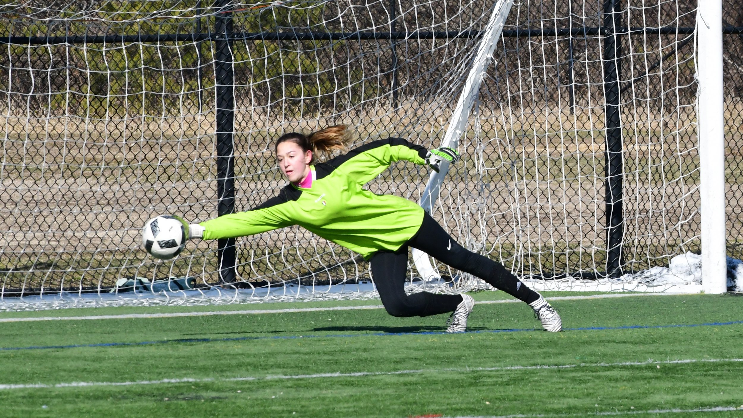 Free Goalkeeper Training - Commack Soccer is pleased to announce free goalie training for the upcoming winter season.Learn More ➝