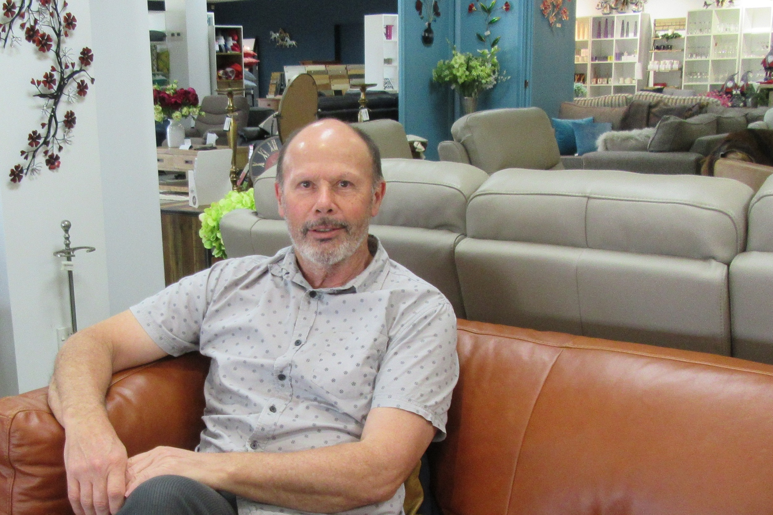 Andrew Brown - Welcome to homeward and our wonderful team who take such pride in keeping the store looking great and love to help you choose the perfect pieces for your home.