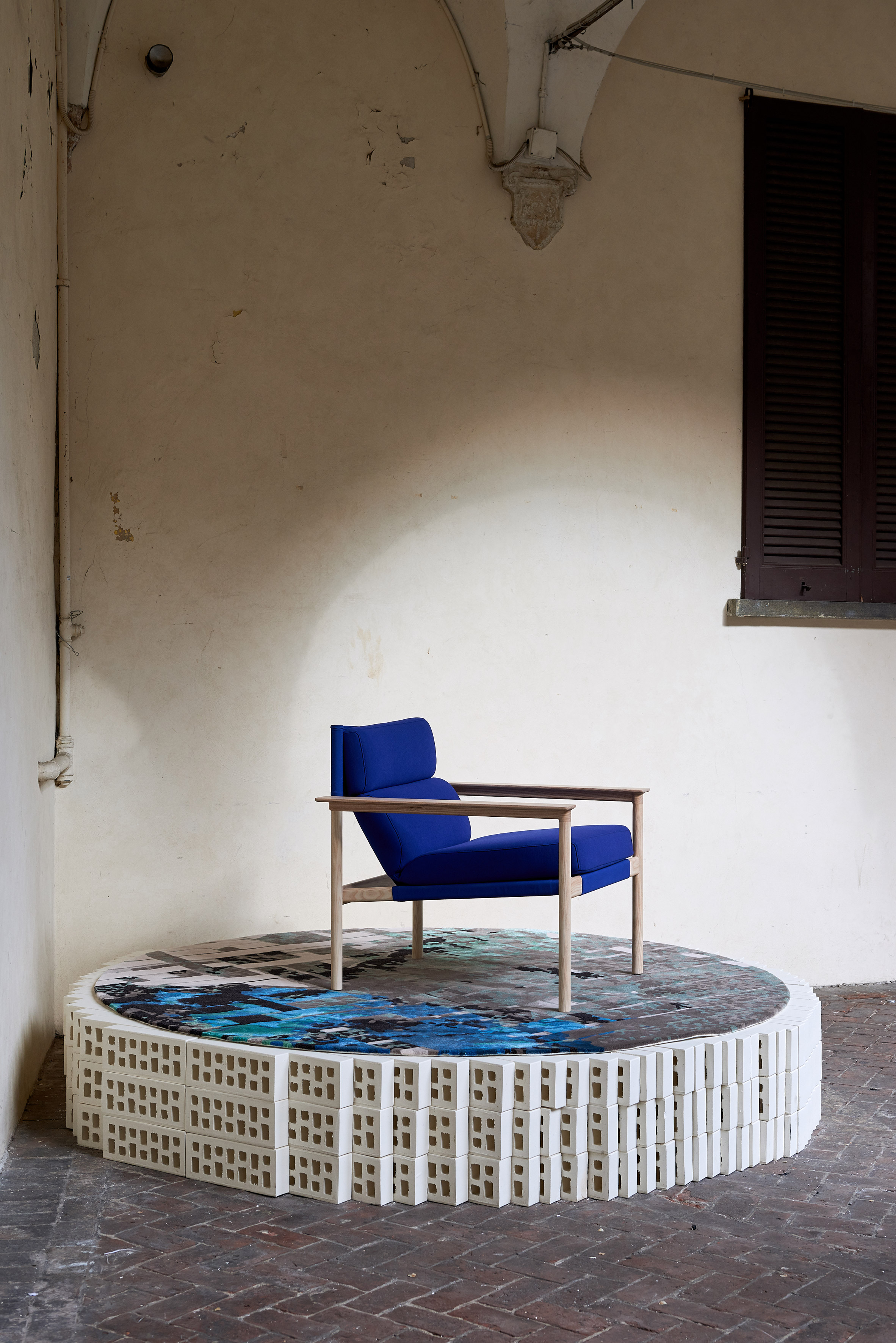 milan-local-design-australian-designers-lighting-furniture_dezeen_2364_col_4.jpg