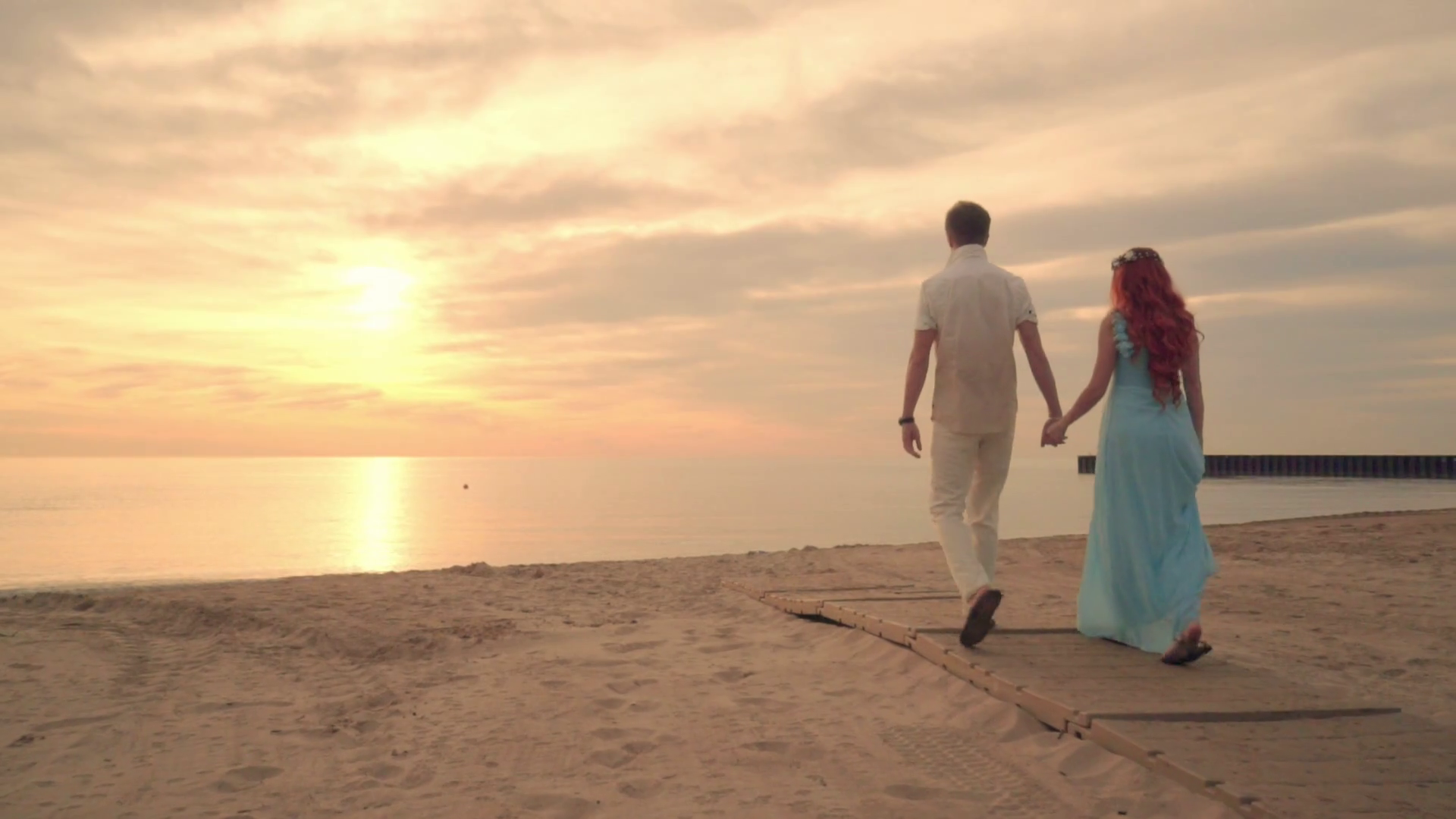romantic-couple-beach-couple-beach-couple-walking-on-beach-love-concept-attractive-couple-at-sunset-near-ocean-honeymoon-vacation-romantic-couple-in-love-love-couple-holding-hands-at-sunset_re1yf1_-e_thumbnail-full01.png