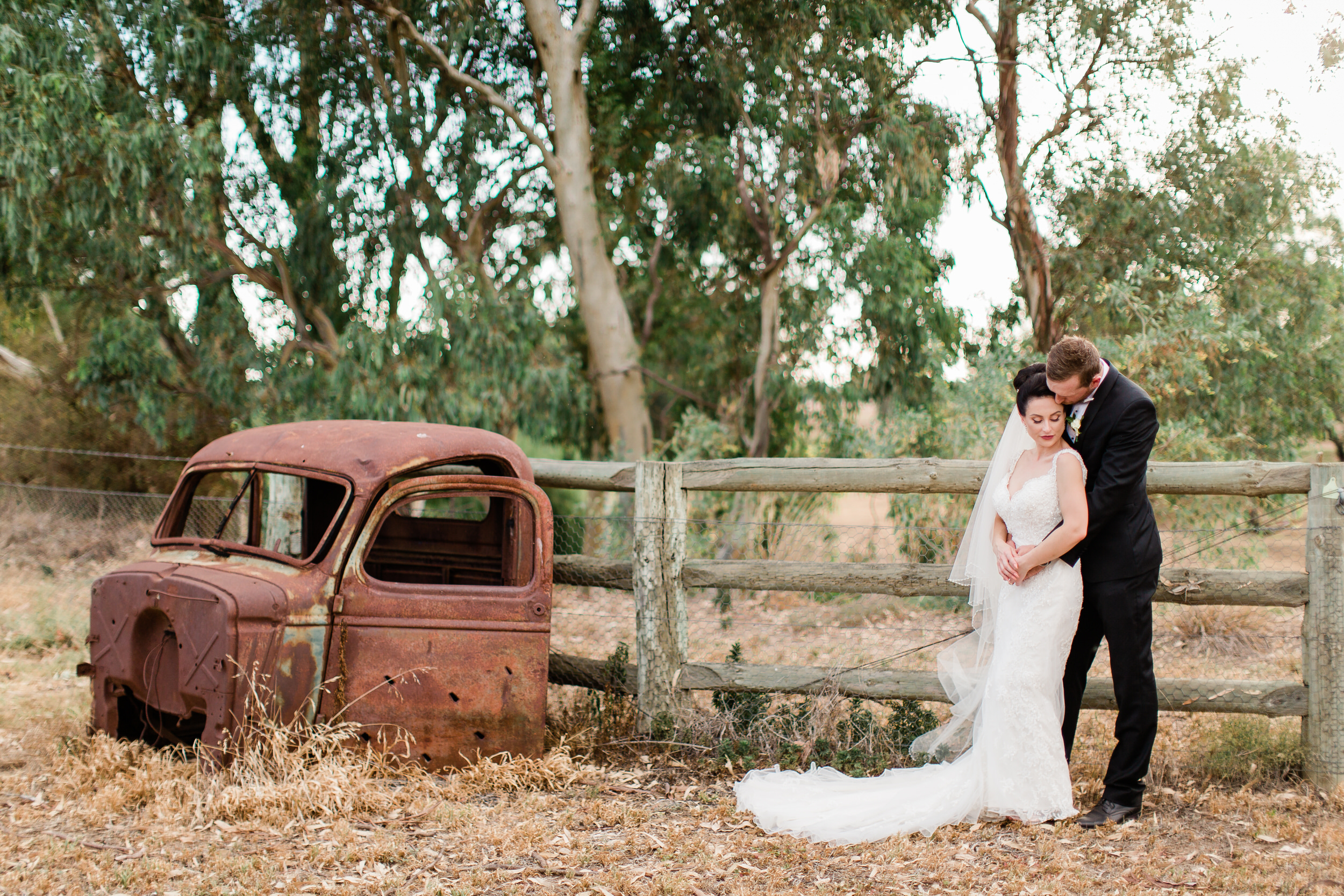 Dubbo Wedding Photography Bride Groom Lazy River