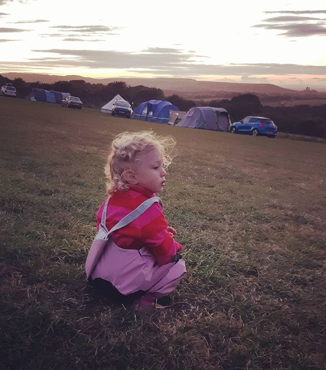 Camping in Dorset. Lots of 'fresh air' ( read; strong winds)  sunshine ☀️ swimming in the sea 🌊 and cream tea. We love camping because of the simplicity of it ( the camping is, not the packing before and after) lots of time together, just sitting around, drinking tea, playing games and chatting! I don't know why but the kids seem to get on so much better too! 🏕 🌄 . #camping #familytime #outdoors #countryside #simplelife #outdoors #vitamind #dorset