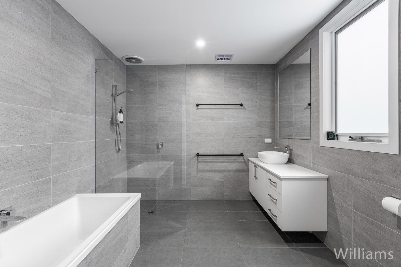 Bath4 (remove logo).jpg