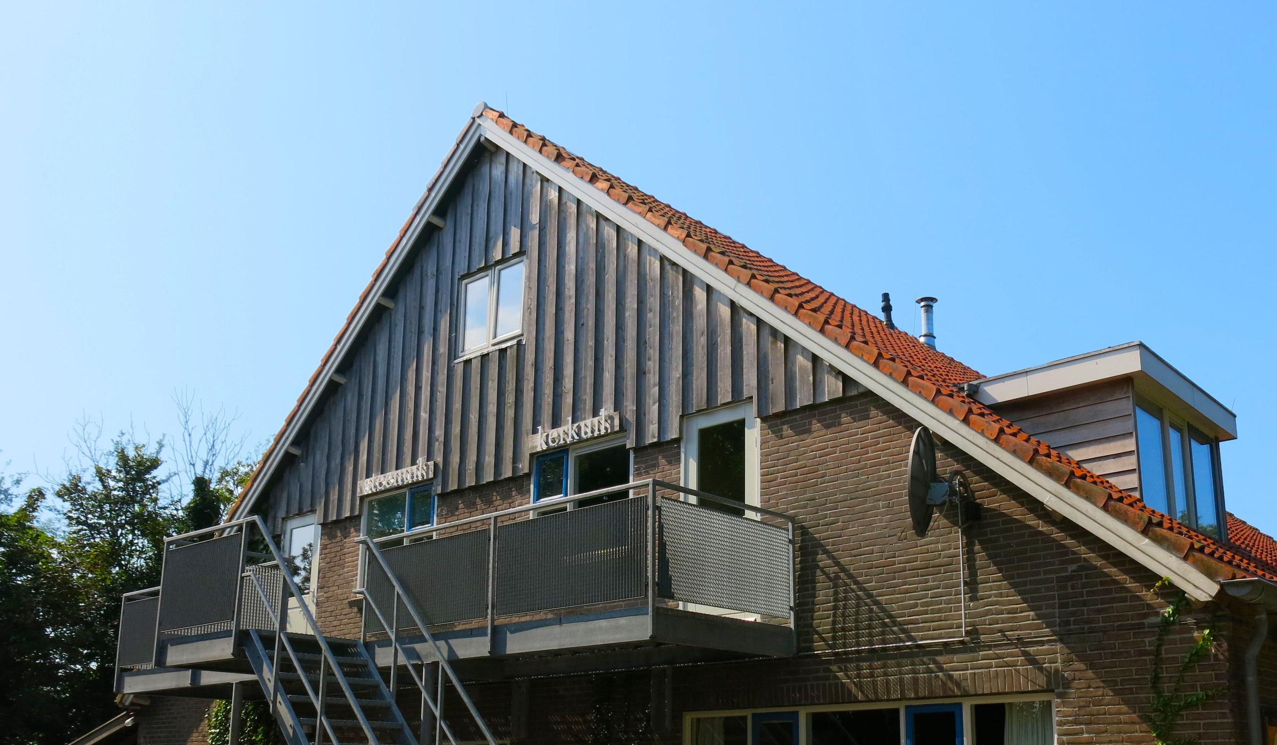 Opgang en dakkapel kerkuil