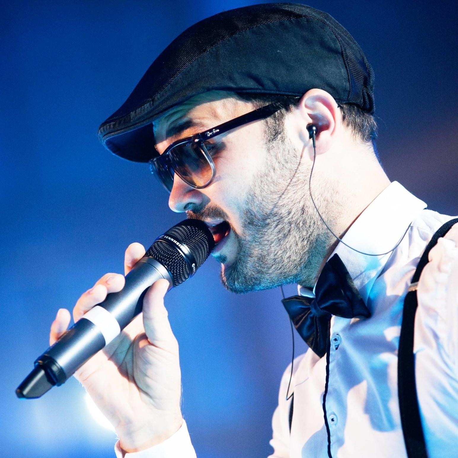 Mo Brandis - Vocals