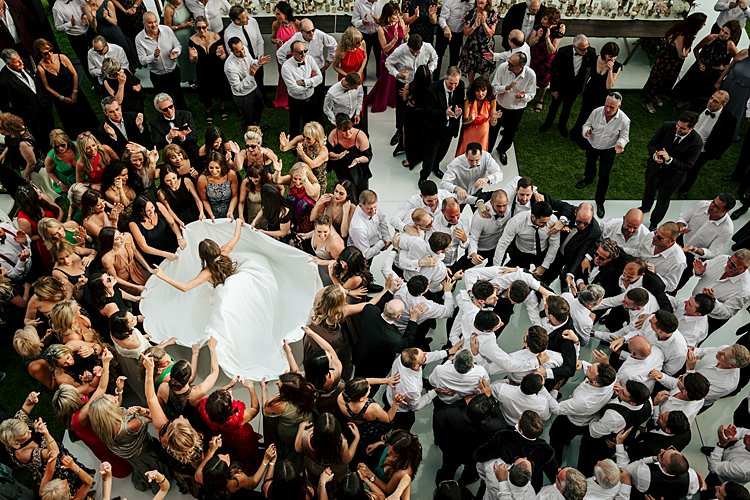 https://www.smashingtheglass.com/a-suzanne-neville-bride-for-a-super-luxe-destination-jewish-wedding-at-the-great-synagogue-of-florence-and-villa-de-maiano-florence-italy/
