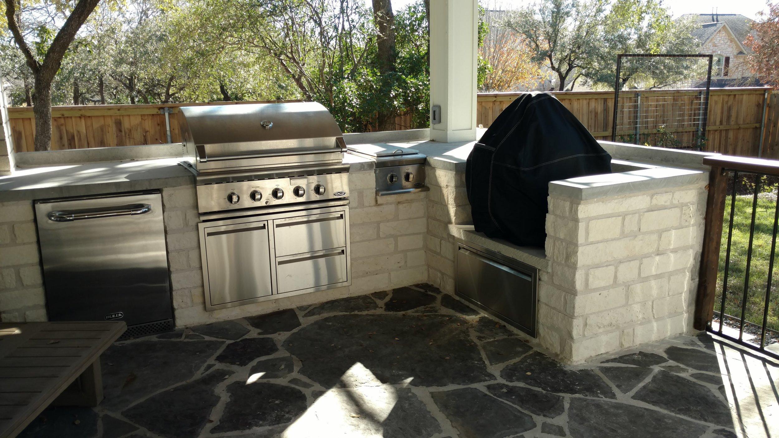 outdoor kitchen circle c.jpg