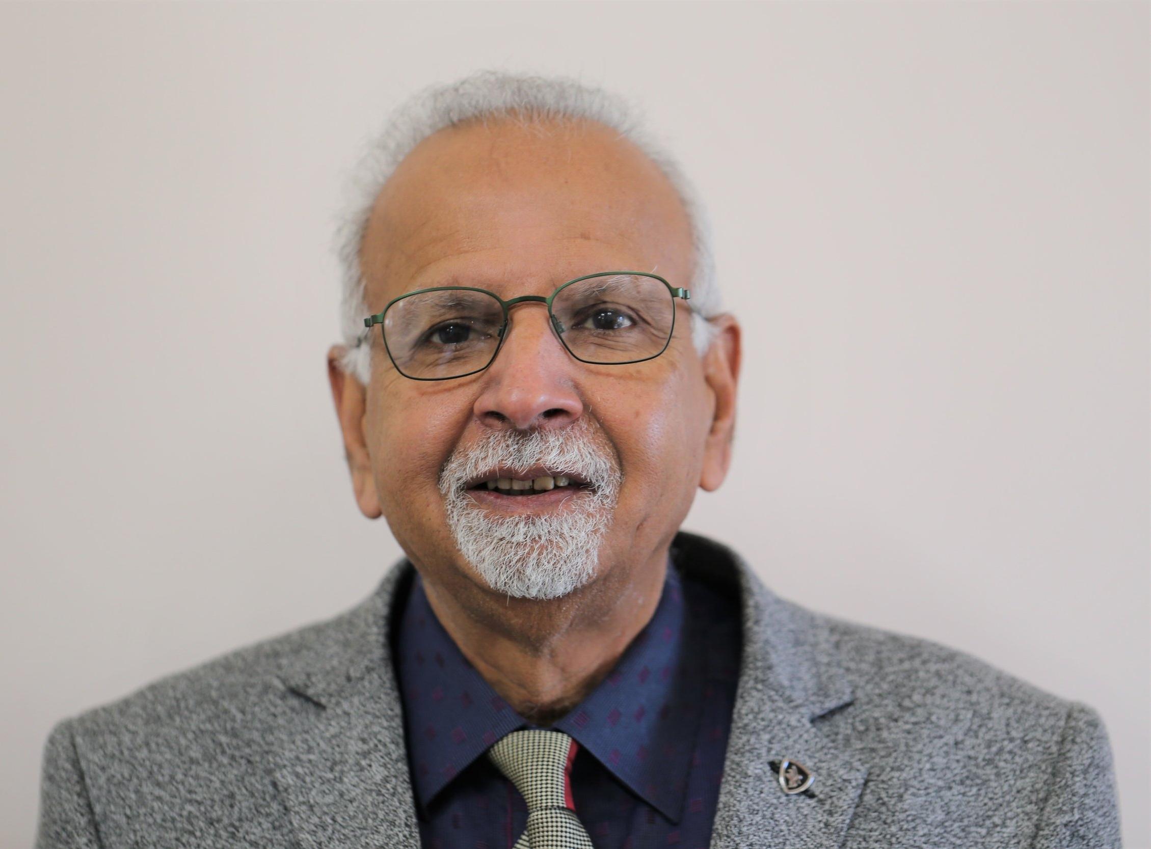 Dr Viren Solanki
