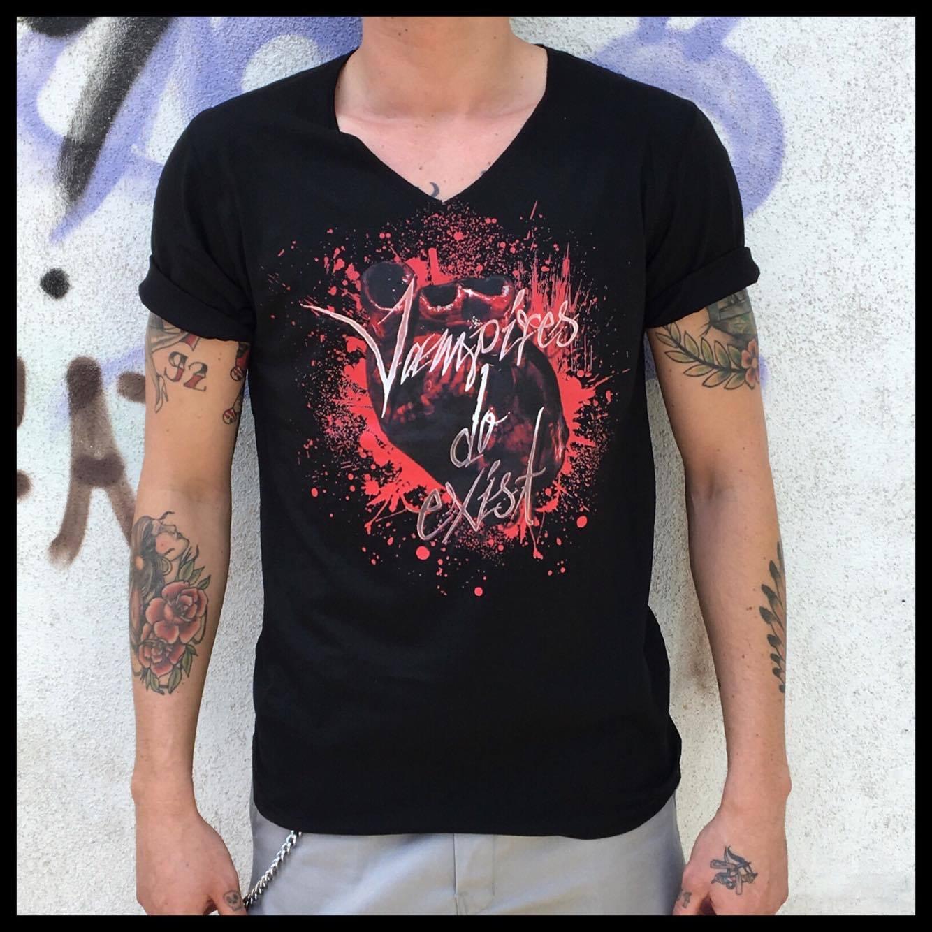Vampire Shirt Men V Neck S / M/ L / XL / XXL - Preis 20 € nur auf Vorbestellung möglich, Rundhals auf Anfrage