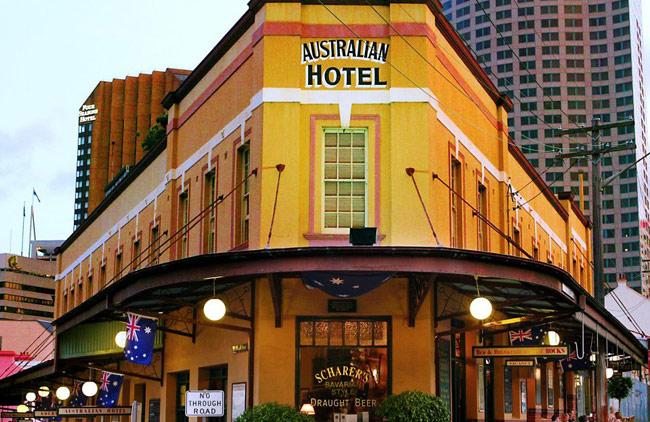 Austalian_Heritage_Hotel_exterior.jpg