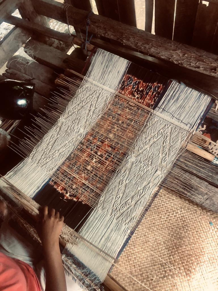 Mind blowing artisans - The women that make these amazing pieces have perfected their art and the way they make it! The ingenious looms they use are made of grass and straw. The system they have come up with is so intricate it takes up to 4 months to create a single piece of ikat, but their efforts do not go to waste; it Sumbanese textiles are famous for being the highest quality handmade textiles in the world!