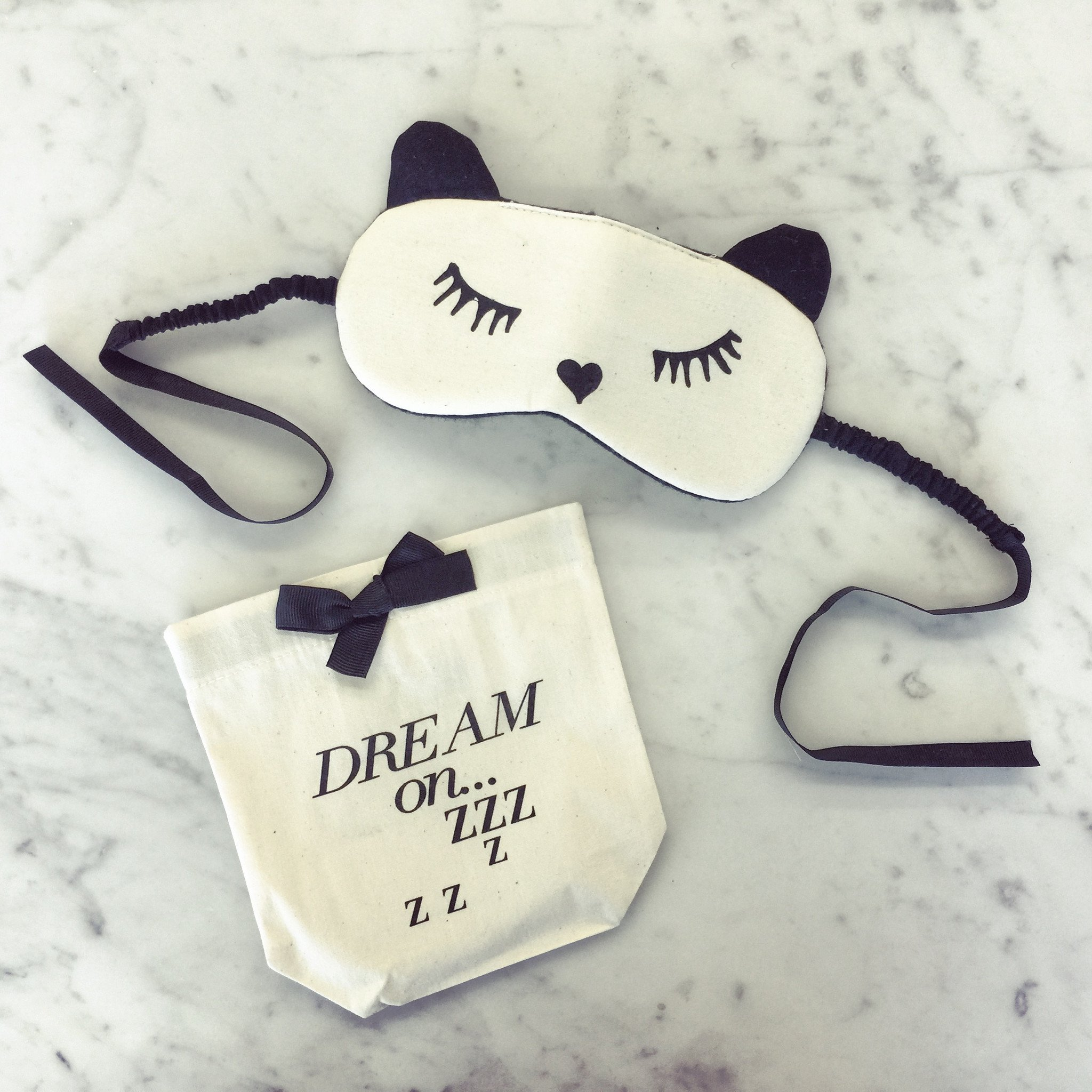 SLEEPING MASK WITH CASE.JPG