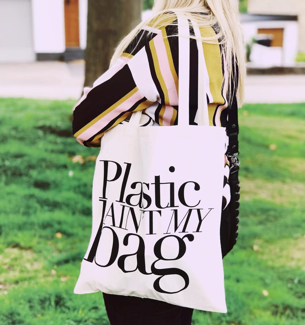 @demihunter, plastic aint my bag.png