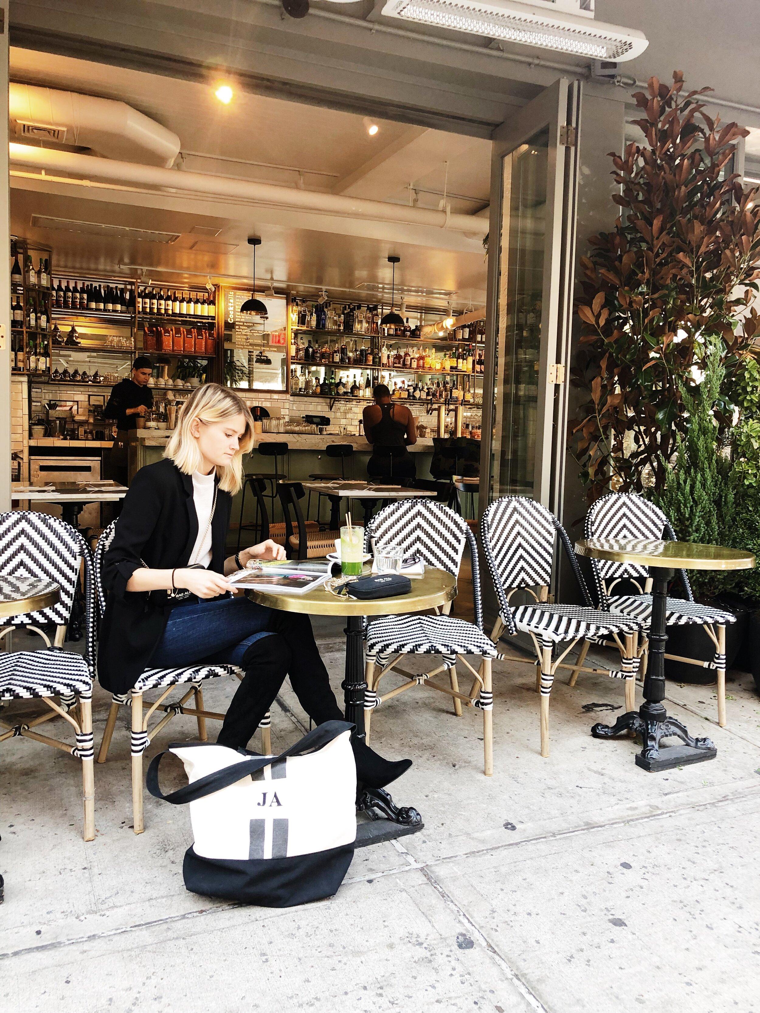 - Instagram friendly cafés