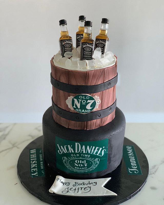The perfect #birthdaycake for a man. #birthdaycakesmiami #bestcakesmiami #liquorcake