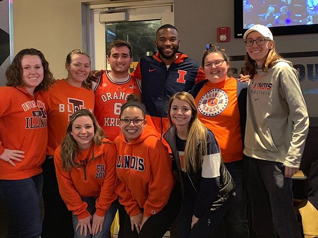 We sure enjoyed getting to meet and hang with AJ for a bit at the Coach Underwood Show. #everydayguys #everydayfans #illini