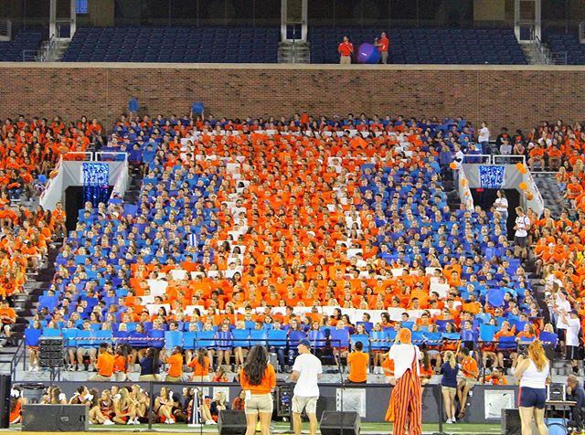 First card stunt of the year ✔️ 🔸🔹🔸🔹🔸🔹🔸🔹🔸 To get in on all our game day traditions, make sure to pick up your Pride Pass today — Link in Bio!
