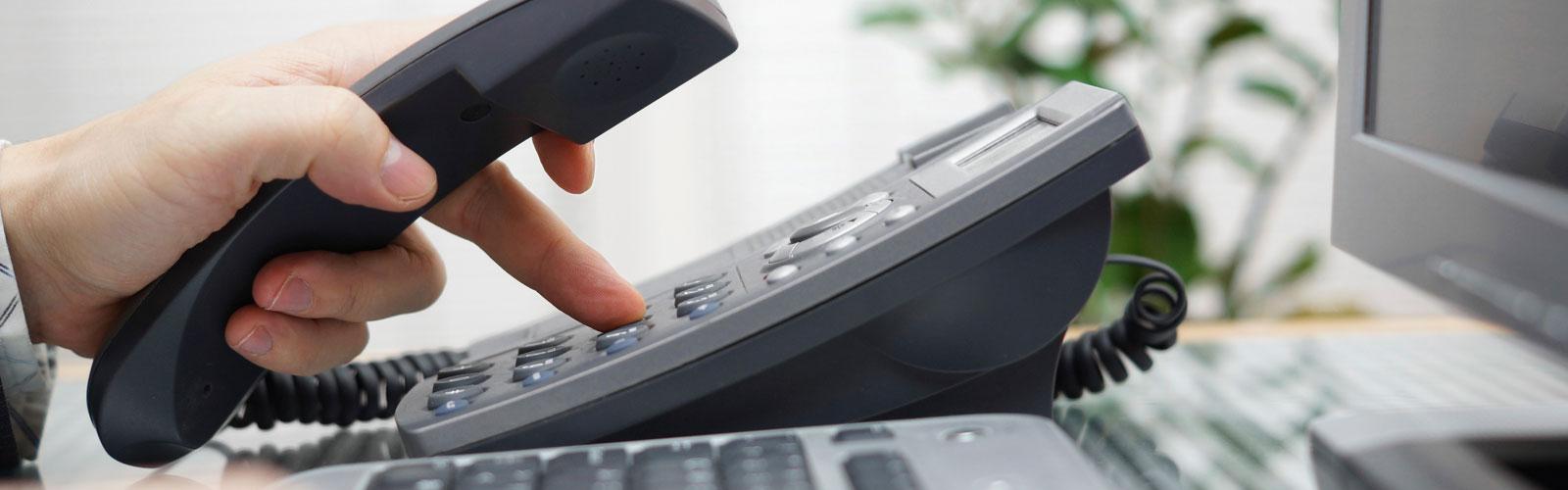 Telefonia - A rede de telefonia fixa, consiste na instalação de uma Central telefônica, podendo interligar vários pontos [ramais] com diversos tipos de equipamentos [KS – TELEFONES SEM FIO …]