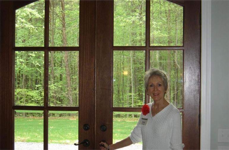 Ann-front-door.jpg