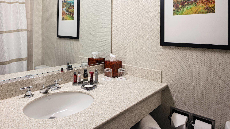 cvgkg-bathroom-0075-hor-wide.jpg