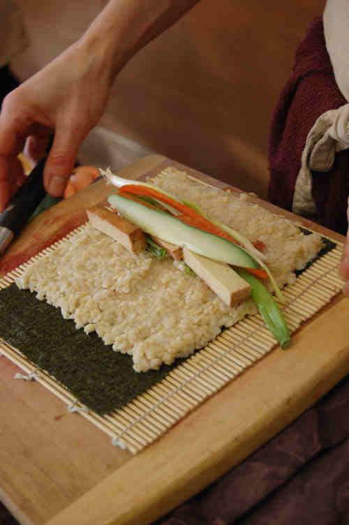 rolling-sushi-4.jpg