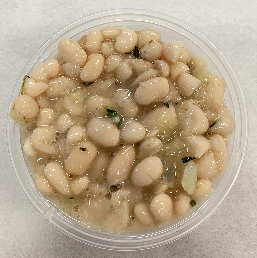 White beans with fennel, onion and thyme.