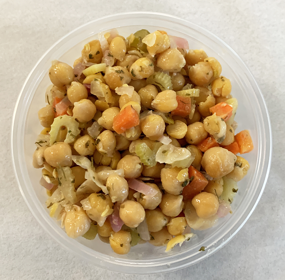 Chickpeas with carrots, onions, celery and chervil.