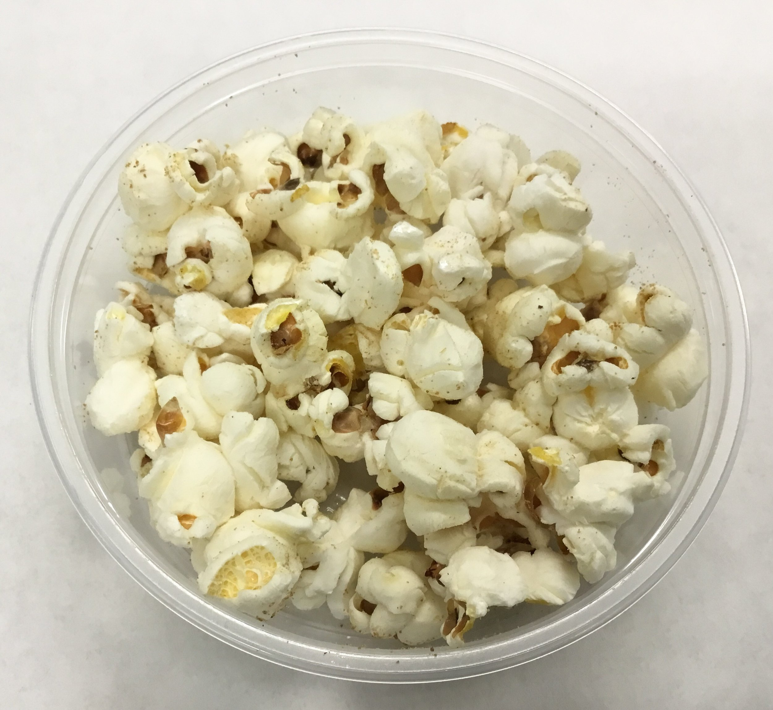 Grapes topping - popcorn with mesquite and coconut sugar.