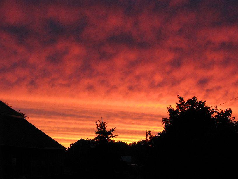 20100609 Vivid sunrise