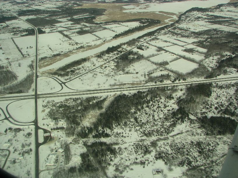 20110122 Hwy 401 & Cty Rd 6, Mud Lake visible