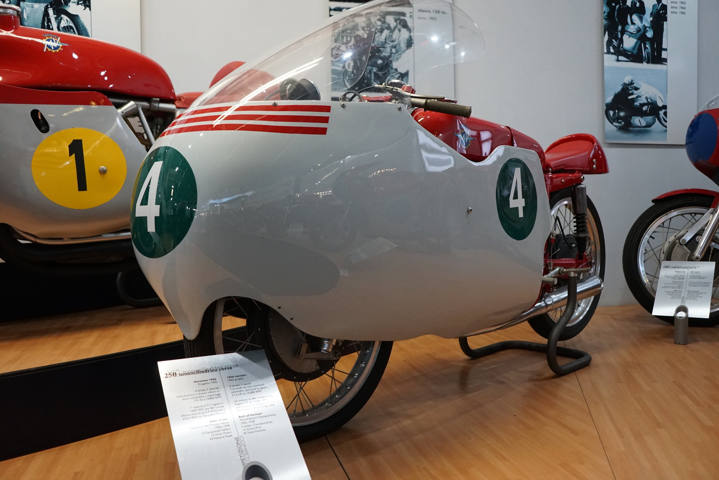 '56 250 Monocilindrico Corsa – 250cc single, DOHC, five speeds. Bill Lomas delivered the first GP win for this elegant machine at the 1955 TT.