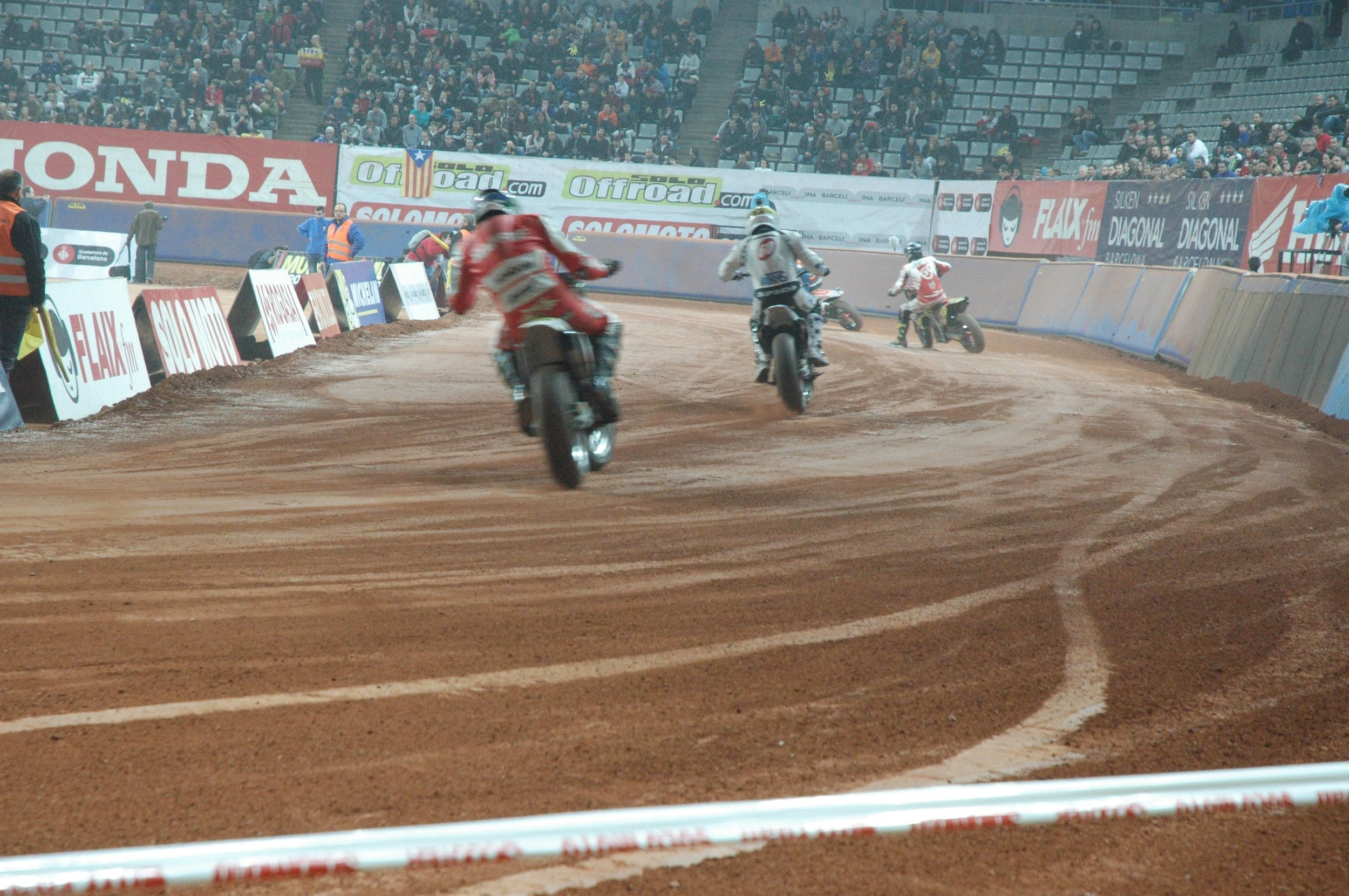 Although the first Barcelona 'Superprestigio' short track race was not an unmitigated success, it proved that you could promote a successful flat track race in Europe. I think it's time for an FIM-sanctioned World Championship in the sport of 'American Flat Track'.