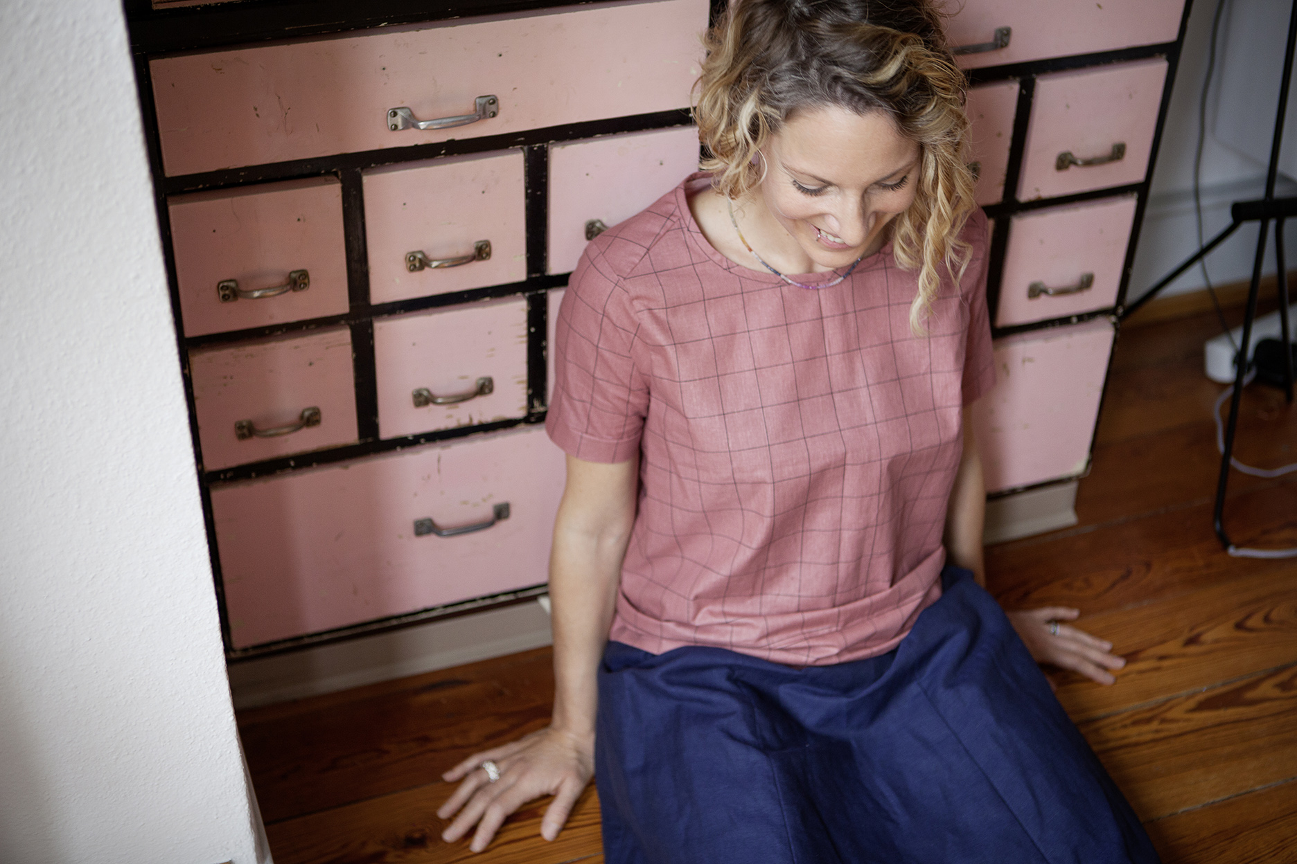 Bluse Ronja  Rock Hélène  Ring und Kette von  Ruthgold