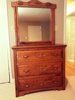 Oak dresser - Three drawer dresser with mirror