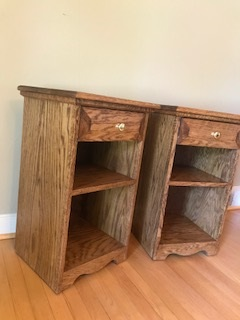 Oak nightstands - These solid oak pieces will look great to any wooden bedroom set