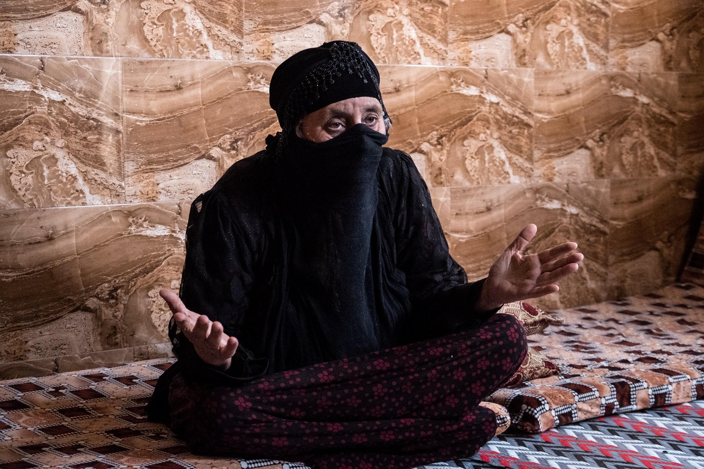 D. Abtisam, mère d'un combattant de l'OEI (3).jpg