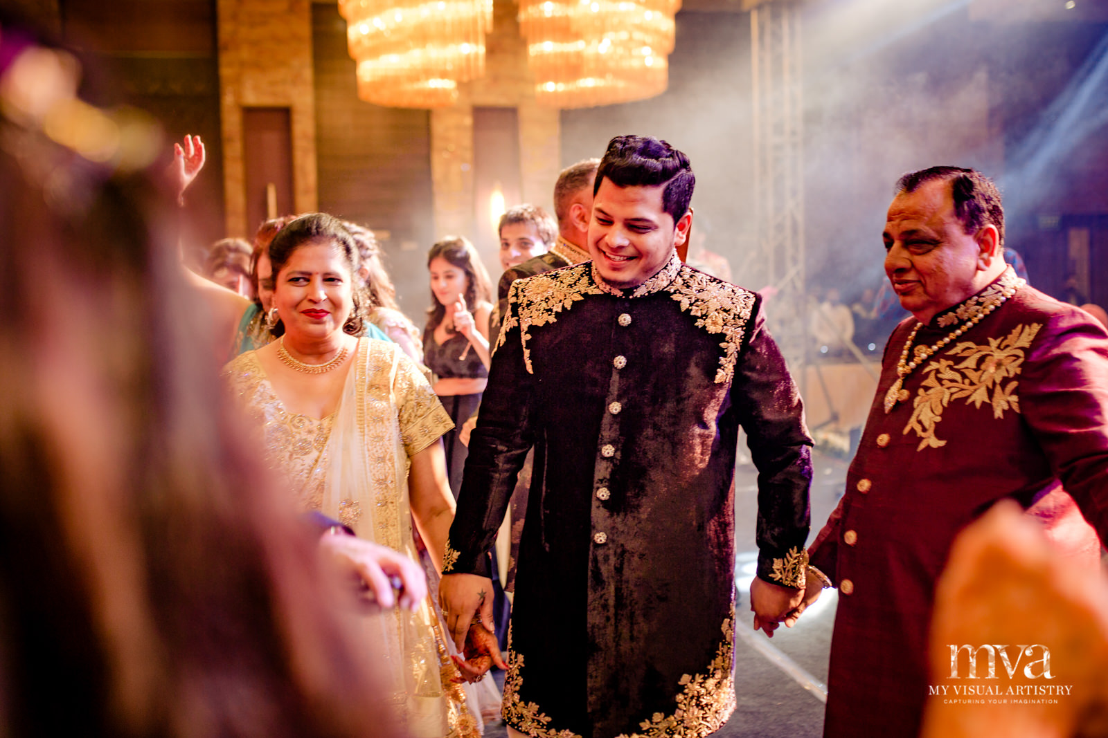 0158 -MOHIT_AVANEET_MVA_INDIAN_ASIAN_WEDDING_LUCKNOW_DESTINATION-0387.jpg