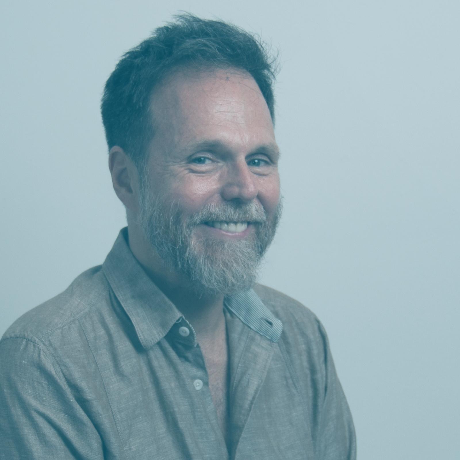 // PAUL LAMARRE   _  STRATÉGIE ET MARKETING  Le branding et le marketing numérique agile dérivée de processus éprouvés. Co-fondateur d'Umanco.
