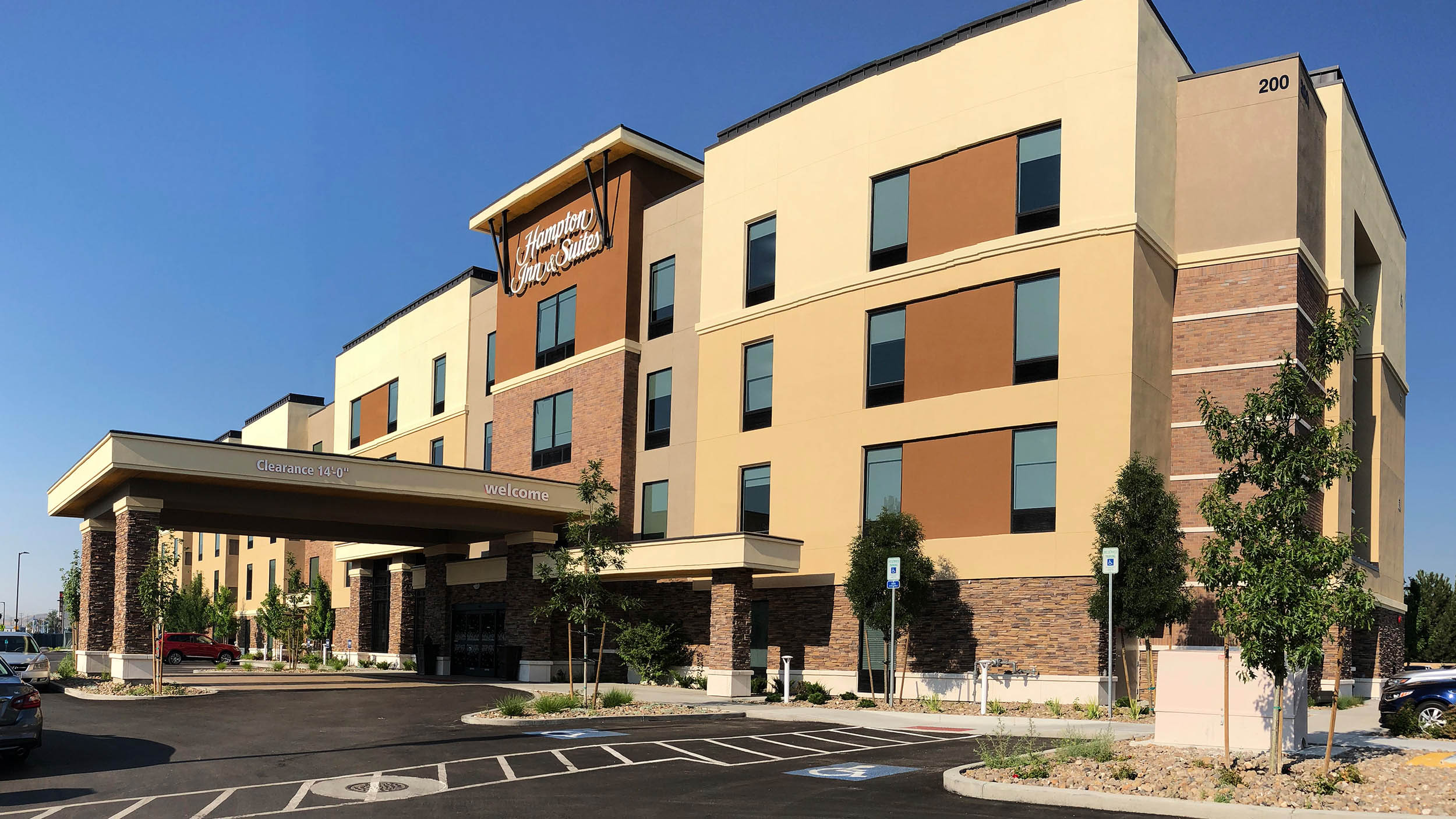 Hampton Inn and Suites 1a 2500.jpg