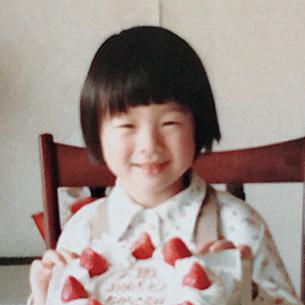 Chikako Lawing   ローイング 智春子  PR & Marketing / Production Associate