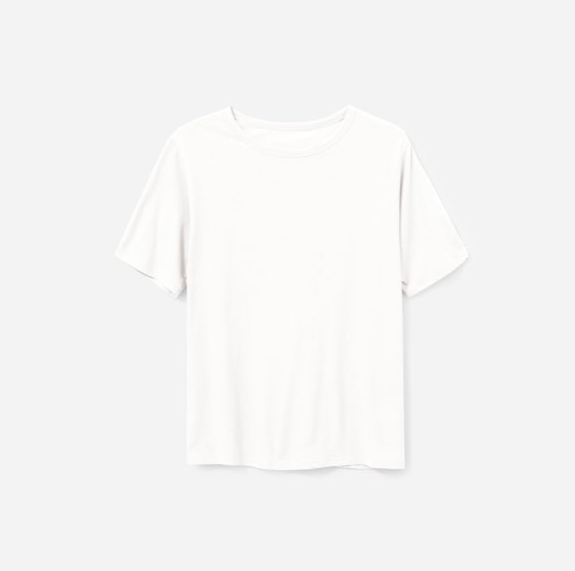 The Air oversized crew Tee $25 - Everlane has a few different styles of t-shirts in the air fabric, all of which are buttery soft and lightweight. Of all the styles, I especially love the oversized crew. It's only slightly oversized which gives me a relaxed look without making me look sloppy.