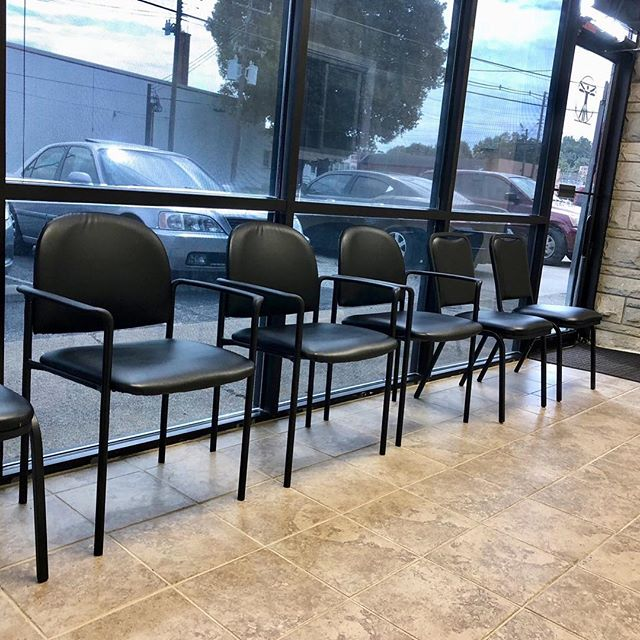 One of These Seats has Your Name on it 😌  #ccinjurycolechiropractic #doctorcole  #businessmen #ccinjury #chiropractic #drcole #dr.cole #colechiropractic #accidents #chiro #chiropractictreatment #backtreatment #painrelief #backpain #insuranceforinjury #louisvillechiropractic #louisvillechiropractor #louisvillekentucky #louisvilleback #louisvillechiropracticcare #chiropracticcare