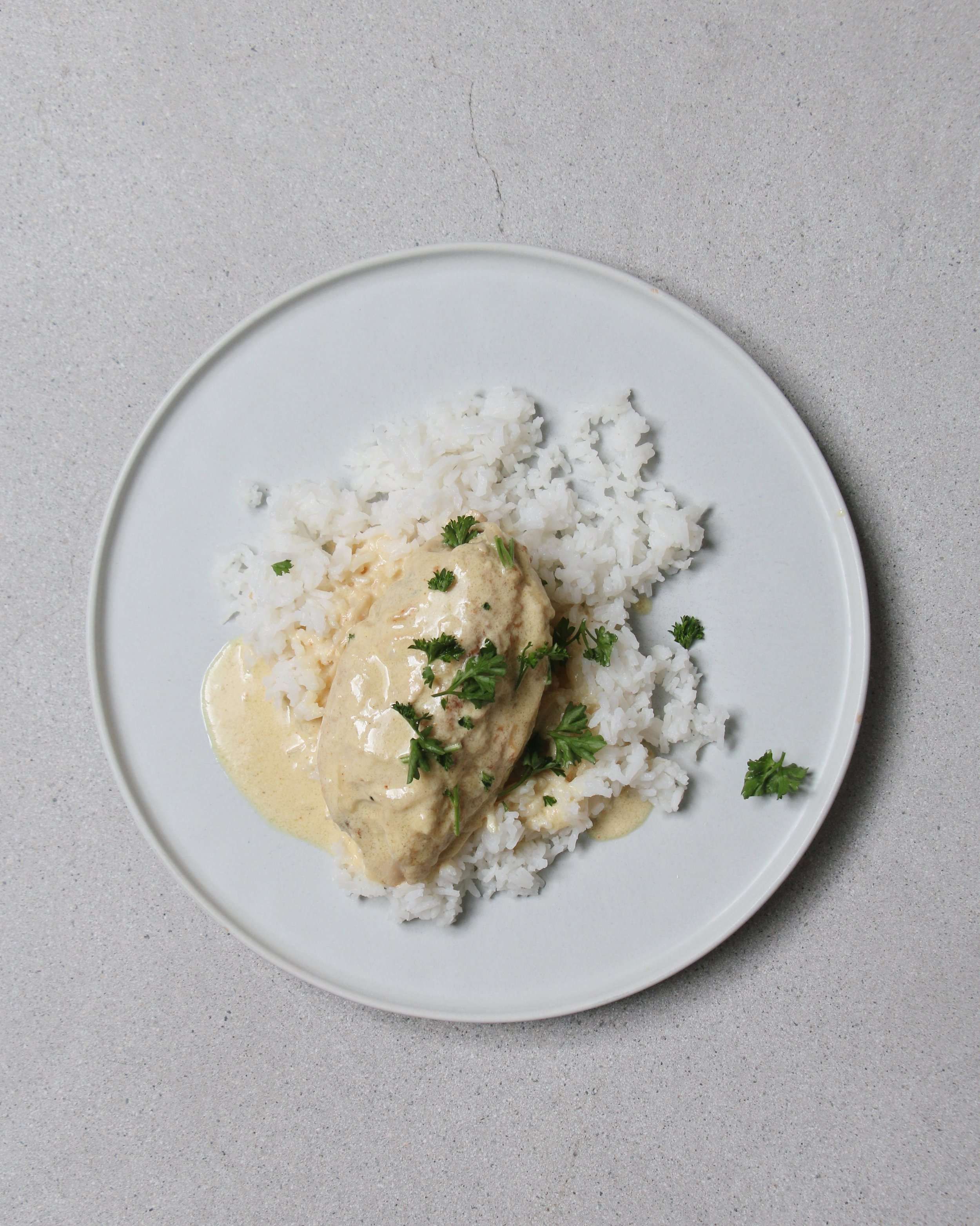 Chicken Simmered With Cream & Onions