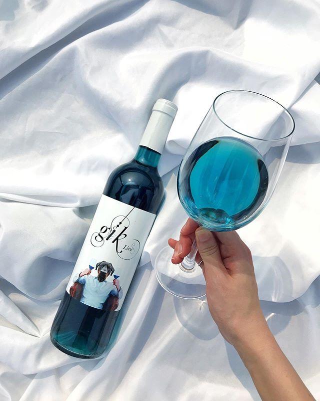 Legit way to beat the Monday Blues 🍸 👉🏻 Click link in bio . . . . #gikhk #giklive #gikwine #bluewine #wineoftheday #specialtywine #discoverhongkong #hkwinelovers #instadrink #winestagram #hongkonginsta #hklocals #hkig #hongkongstyle #winetastinghk #hongkongphotography #winephotography #chill #vino #drinkwithme #nature #partydrinks #hkfoodblog #beach #beachtime #colourgram #summer #summertime