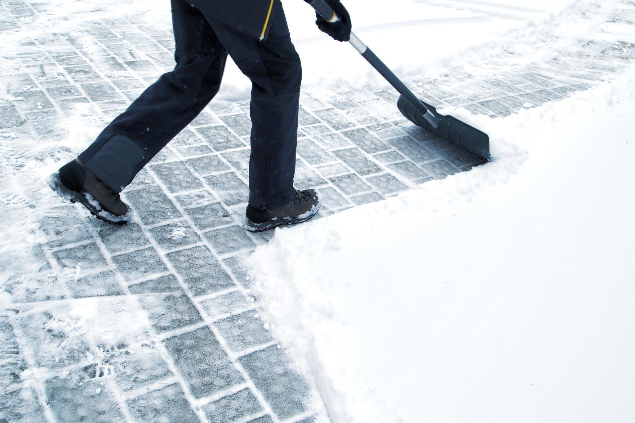 Snow Shovelling.jpg