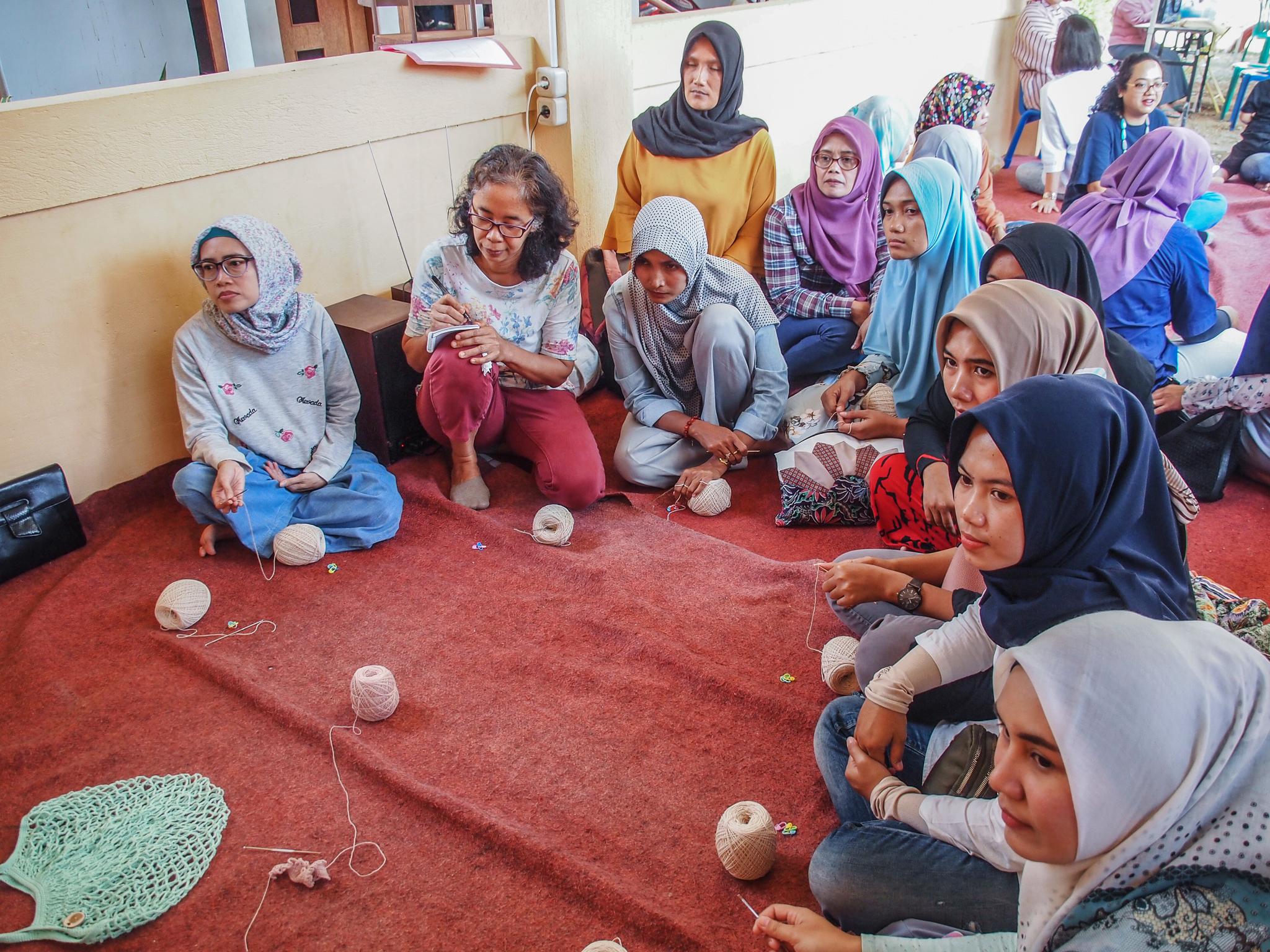 Yayasan Alang-Alang's women.