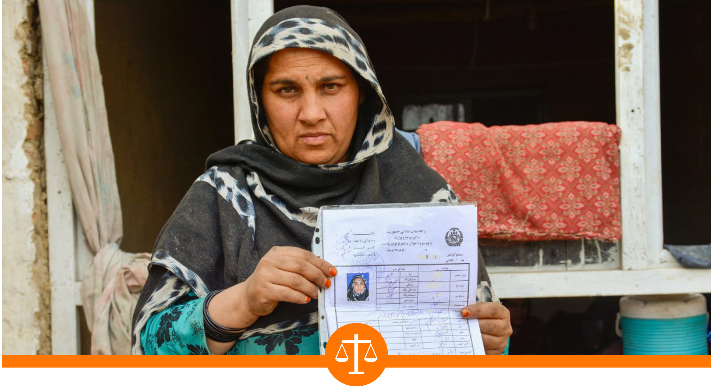 Forty-year-old Zia Gull has seven children, and her family is so poor that she could not apply for an ID card by herself. NRC helped her obtain the document in Kabul, Afghanistan. Photo: Enayatullah Azad/NRC
